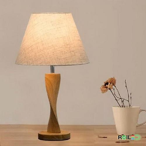 Giá bán Đèn bàn ngủ đầu giường RT8064