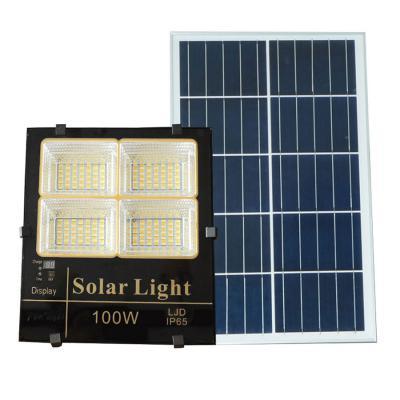 Đèn pha năng lượng mặt trời ánh sáng vàng, trắng, trung tính 100W Roiled - BM100W